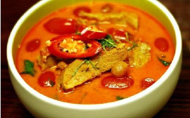 gaeng- daeng-red-curry-thai