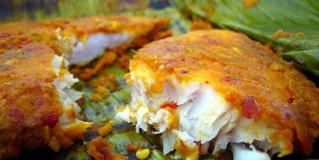 Nga Baung Doke - fish in banana leaf