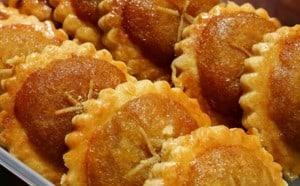 pineapple-tart-dessert-malaysia