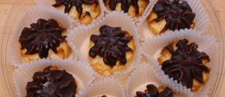 chocolate-coconut-macaroons-recipe