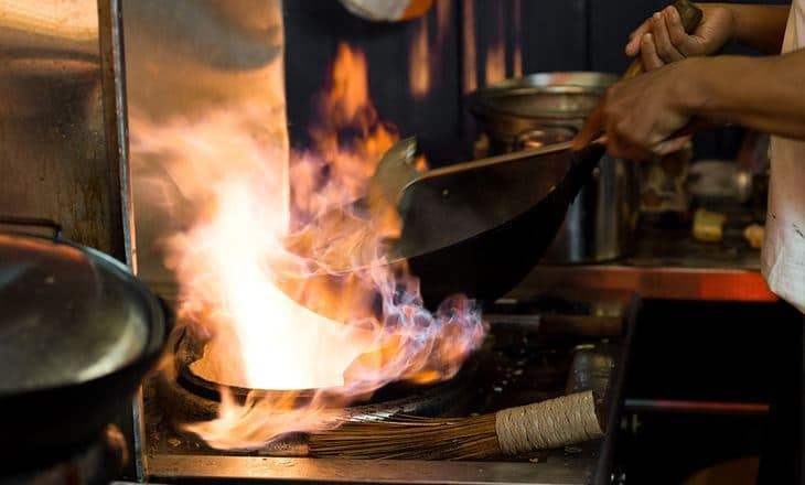 How to cook with a wok - top tips!